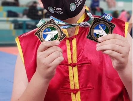 Lucas Emanuel se destaca no Campeonato Paranaense de Kung Fu (Wushu)