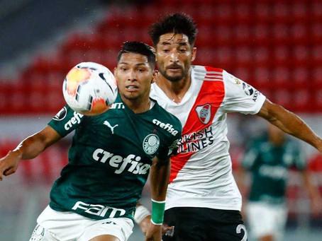 Palmeiras toma sufoco do River Plate, mas vence