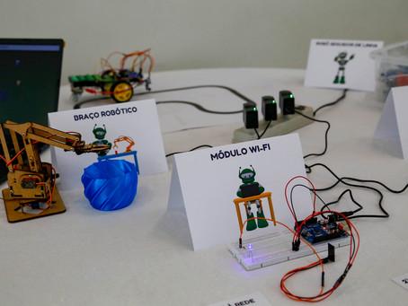 Governo entrega Kits de Robótica para Escolas da região