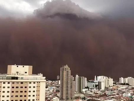 Nuvem de poeira assusta moradores de SP e MG