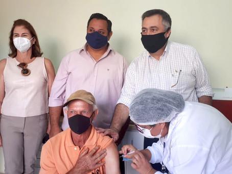 Vacinação de domingo a domingo tem alta adesão entre municípios