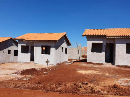 VALE DO IVAÍ - Construção de casas para famílias em vulnerabilidade avança Marumbi e Lunardelli