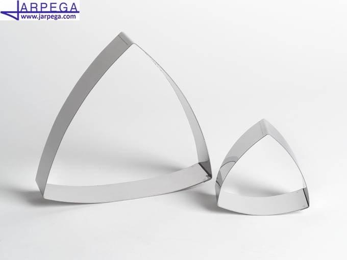 Aro forma triángulo bombeado en inox