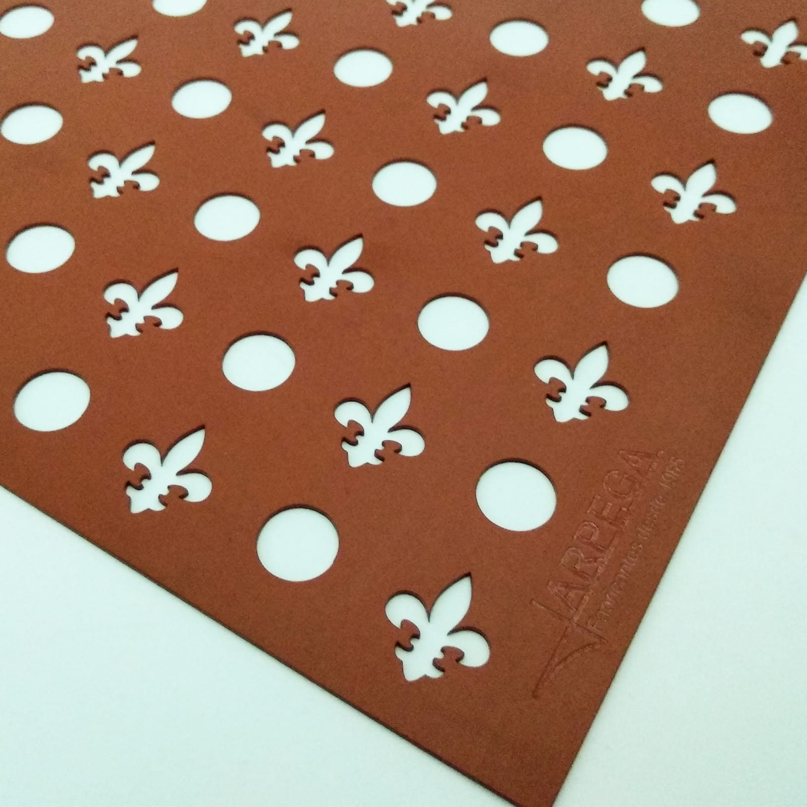 Tapete círculos - flores de lis