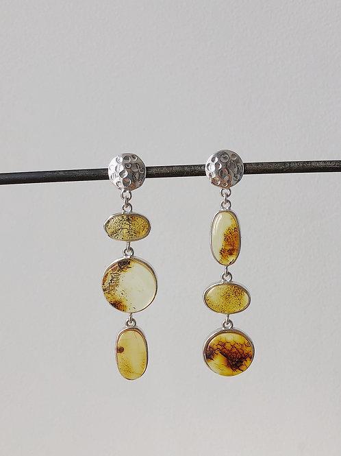 Асимметричные серьги с прозрачным янтарем