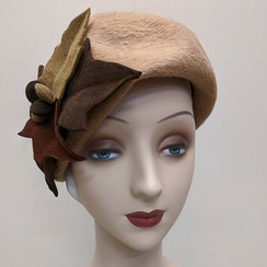 City Beret with felt leaves #hat #millin