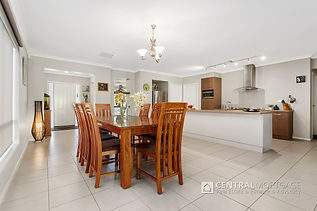 27 Cootamundra Road Doreen Vic 3754 | Kitchen of house for sale | Real Estate and Advocacy