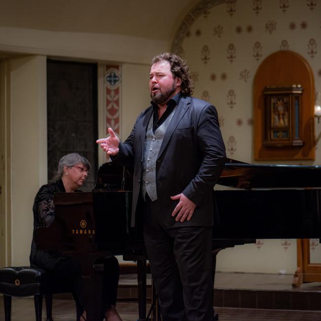 Kristian Benedikt, tenor