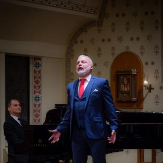 Gustavo Ahualli, baritone