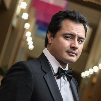 Jesus Daniel Hernandez ,  tenor