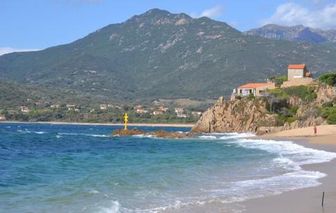 Studio les pieds dans l'eau Mancinu plage