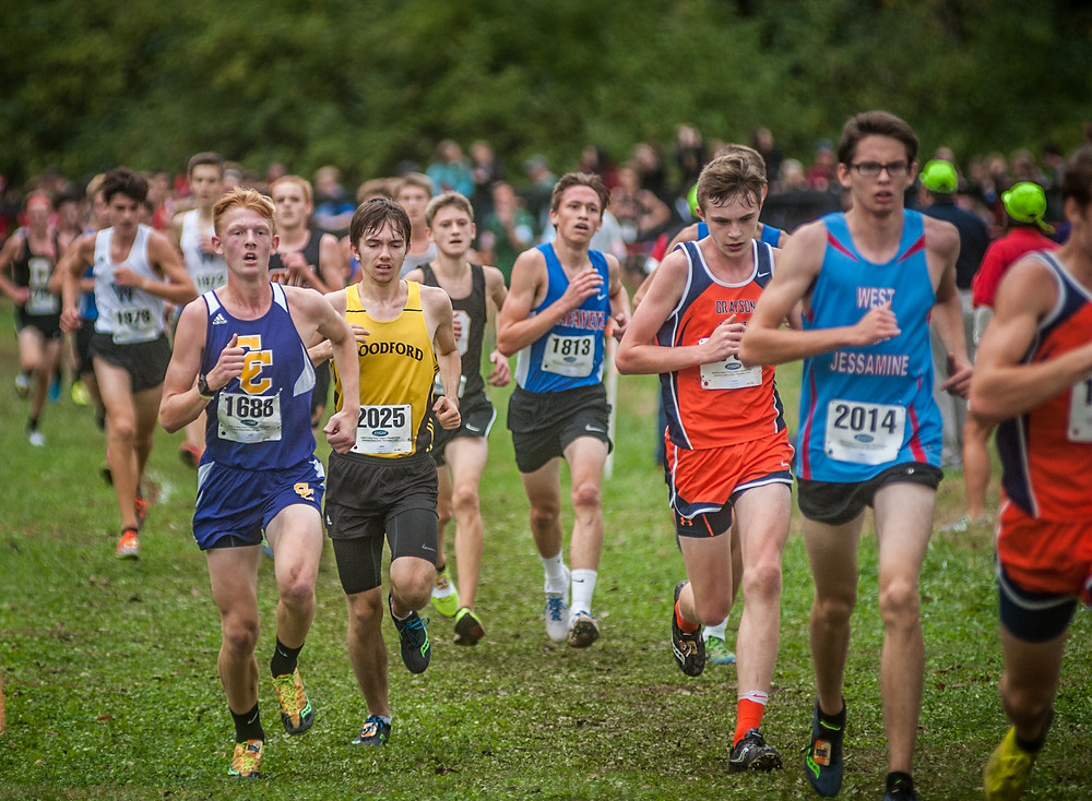 PETER MCGOWAN runs in a packed group at the KHSAA cross country State championship 5k race on Nov 4. (Photo by Bill Caine)