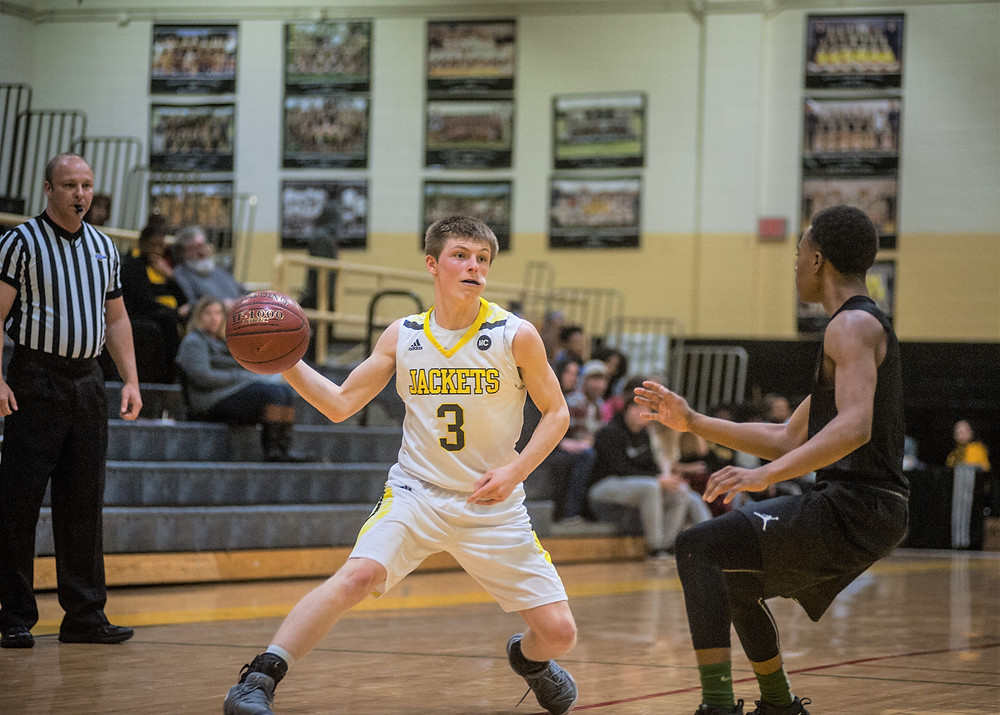WCHS SENIOR GUARD BRANDON CROMWELL aims to build on his 17 points per game average last season. (File photo by Bill Caine)