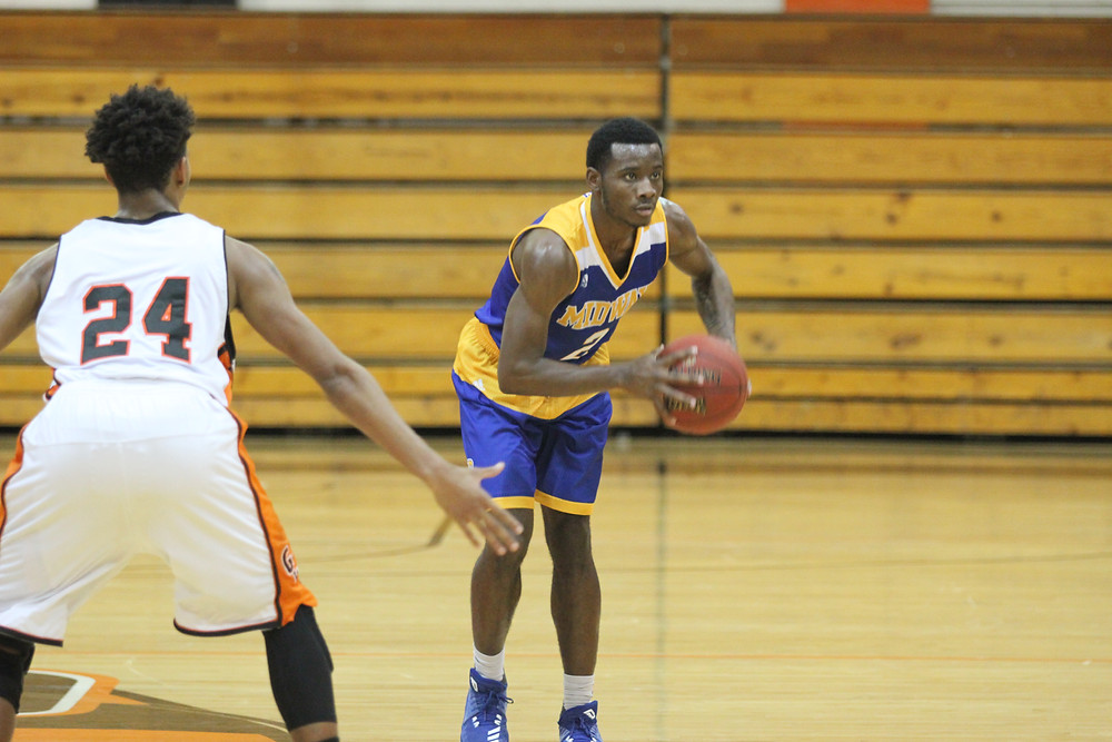 KRIZELL MITCHELL scored 20 points on 9 of 12 shooting in Midway's 103-90 win over the University of Cincinnati-Clermont. (Photo courtesy of Midway Athletics)
