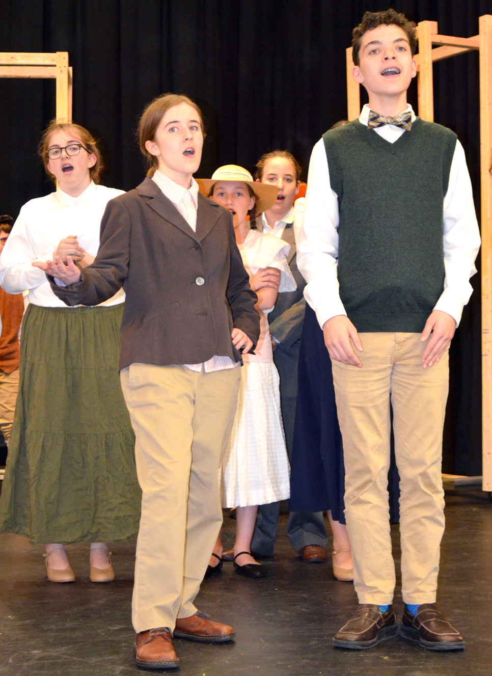 """LELIA BRANSTETTER and Harrison Hamlin rehearsed a scene from """"The Music Man"""" at Woodford County Middle School. (Photo by Bob Vlach)"""
