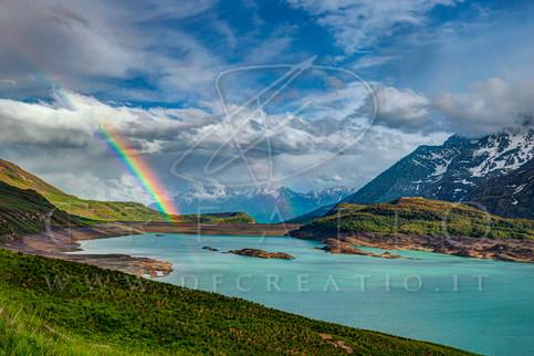SIN-048_Rainbow over the lake.jpg
