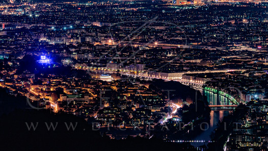 SIN-046_Turin by Night 1.jpg