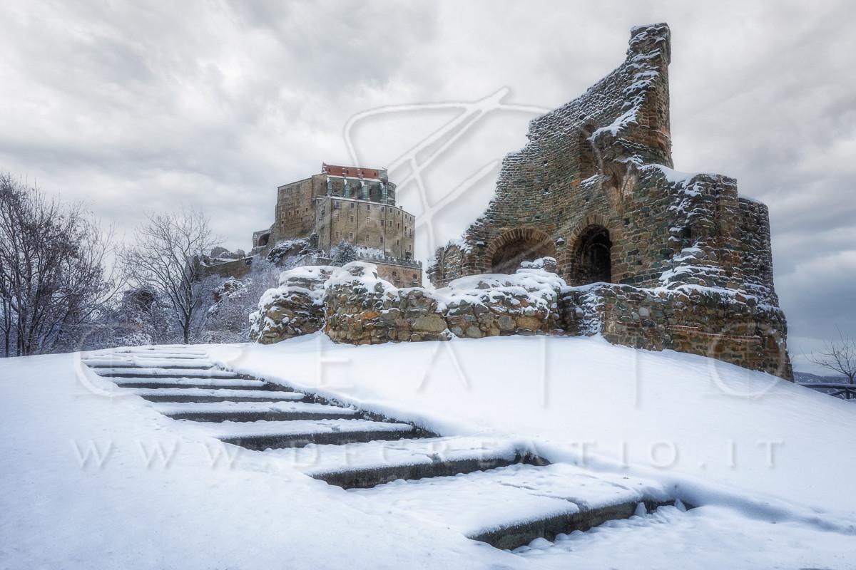 SIN-079_Sacra with snow.jpg