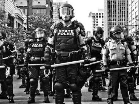 Polis Devletine Karşı Ayaklanmak - Dawn Marie Paley (çev. Deniz Gözde Öztürk)