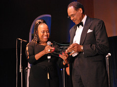 DR_BROOKS_PRESENTS_ICONIC_AWARD_TO_DON_J