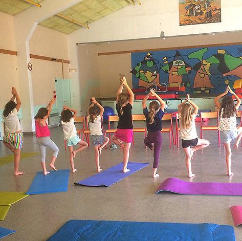 yoga enf 1 bis.jpg