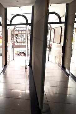 hall edificio_edited.jpg
