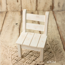 Rozzi_White Sitter Chair