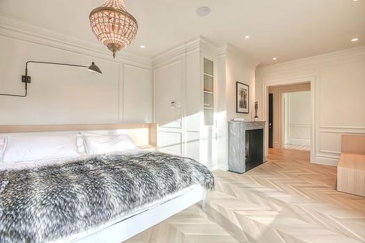 Master bedroom - calgary home design