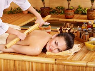 Masaje con Varas de Bambú