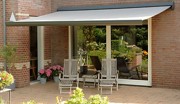 patio awning in yorkshire.JPG