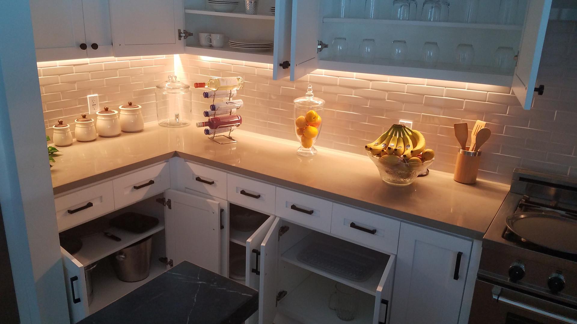 Kitchen2_3.jpg