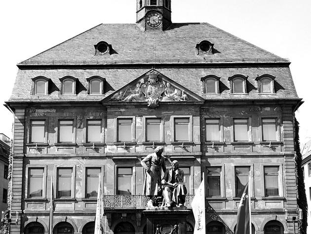 old-town-hall-3667216_1920_edited.jpg