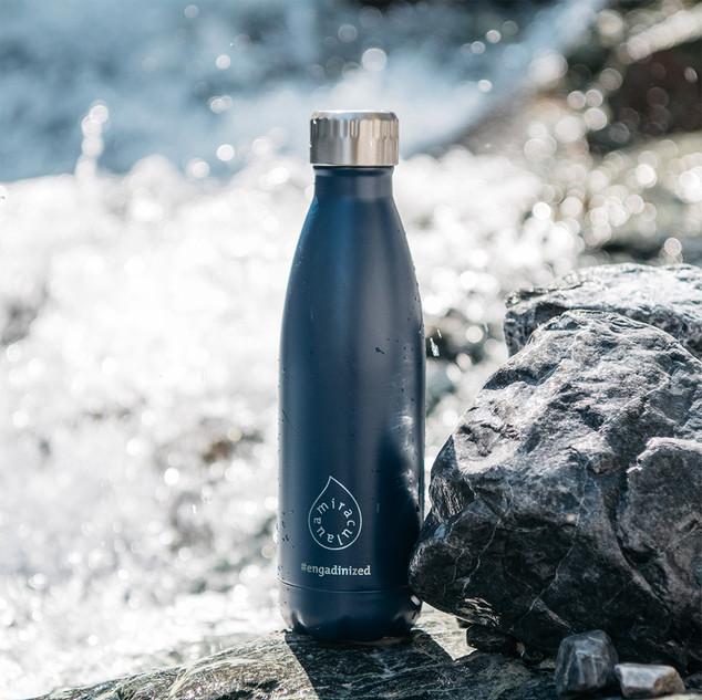 Flasche Wasser.jpg