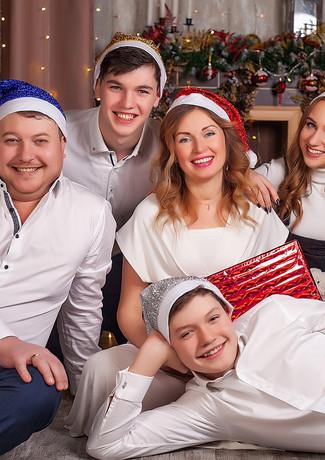 Семейная новогодняя фотосессия Пушкино