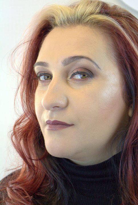 Olha o cabelo dela! muito estilosa essa minha nova modelo _3_Makeup feito por aluna _)