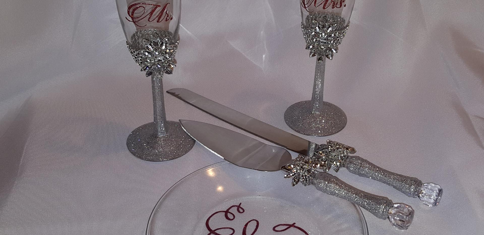 Toasting glasses and Cake Set