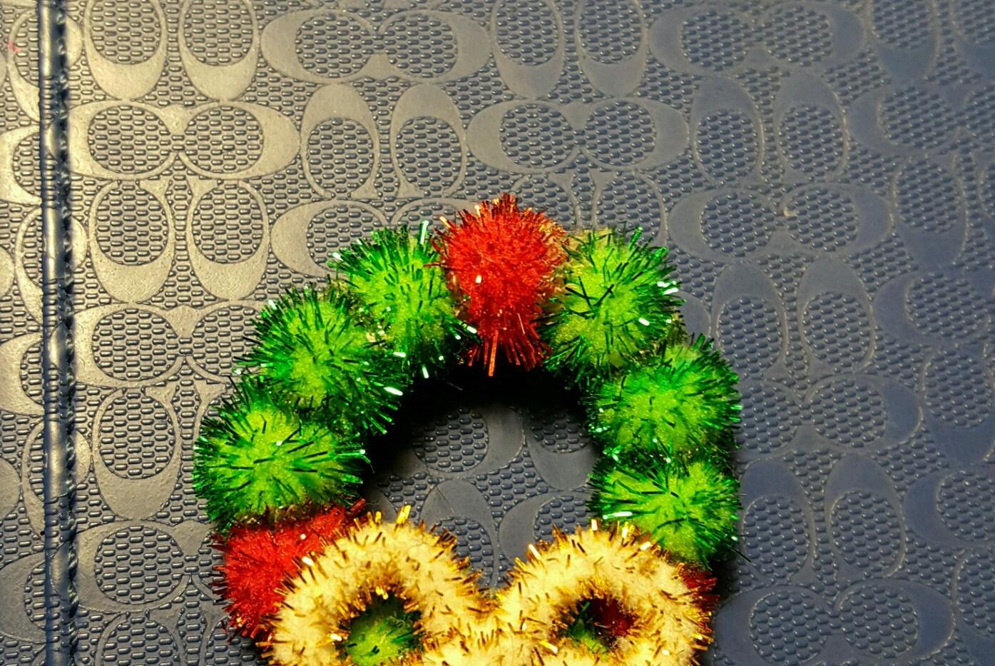 Wreath Pin
