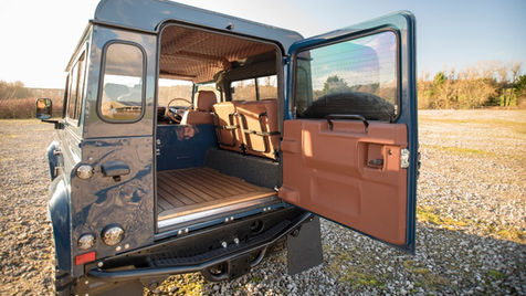 Land Rover Defender 90 Back