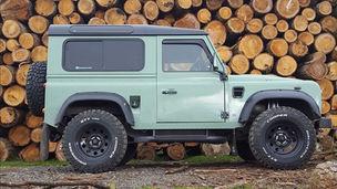 Retro Land Rover Defender 90 Station Wagon