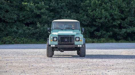 Land Rover Defender 90 Front End