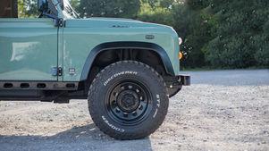 Land Rover Defender 90 Wheel Arch