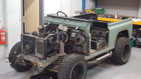 Land Rover Defender 90 Stripdown