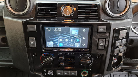 Land Rover Defender 110 Double Din