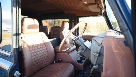 Honeycomb Land Rover Defender Interior