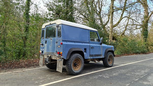 Land Rover Defender 90 2.5 Petrol