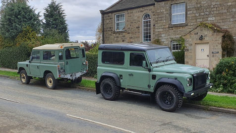 Retro Land Rover Defender 90 Station Wagon