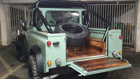 Land Rover Defender 90 Pickup