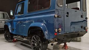 Custom Land Rover Defender 90