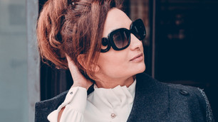 GLAMOUR AND AUTHORITY: 6 unconscious messages your clothes send out