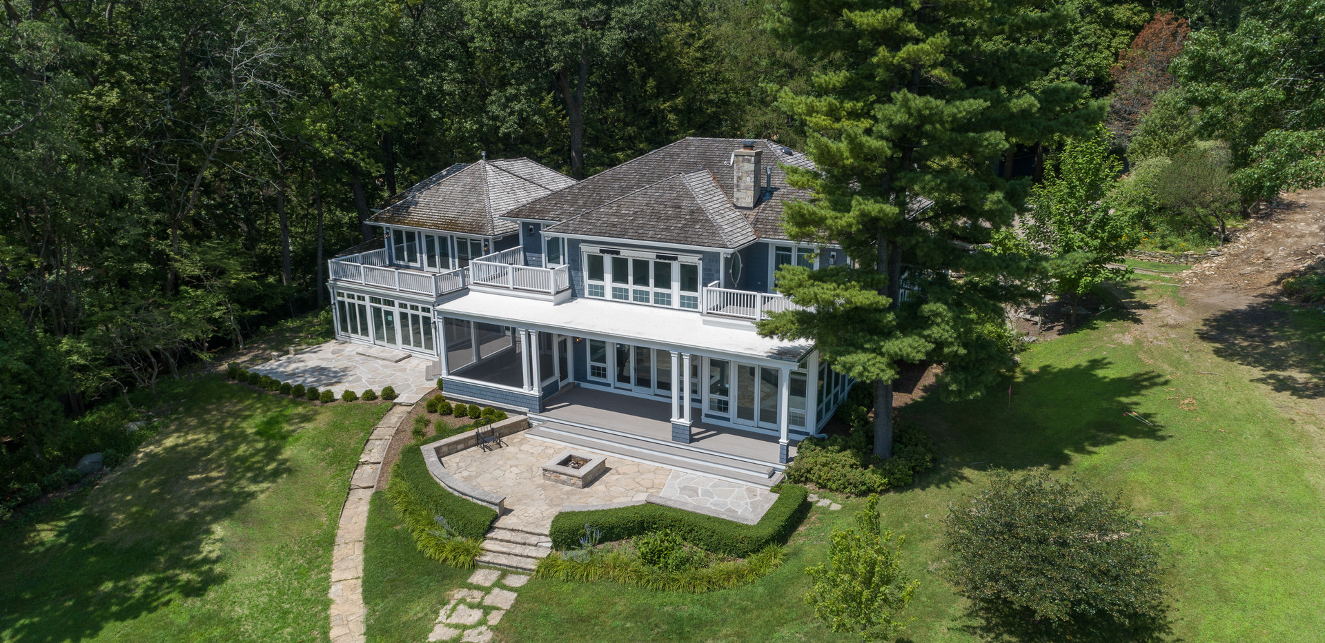 $4.1 Million Dollar Home For Sale on Geneva Lake